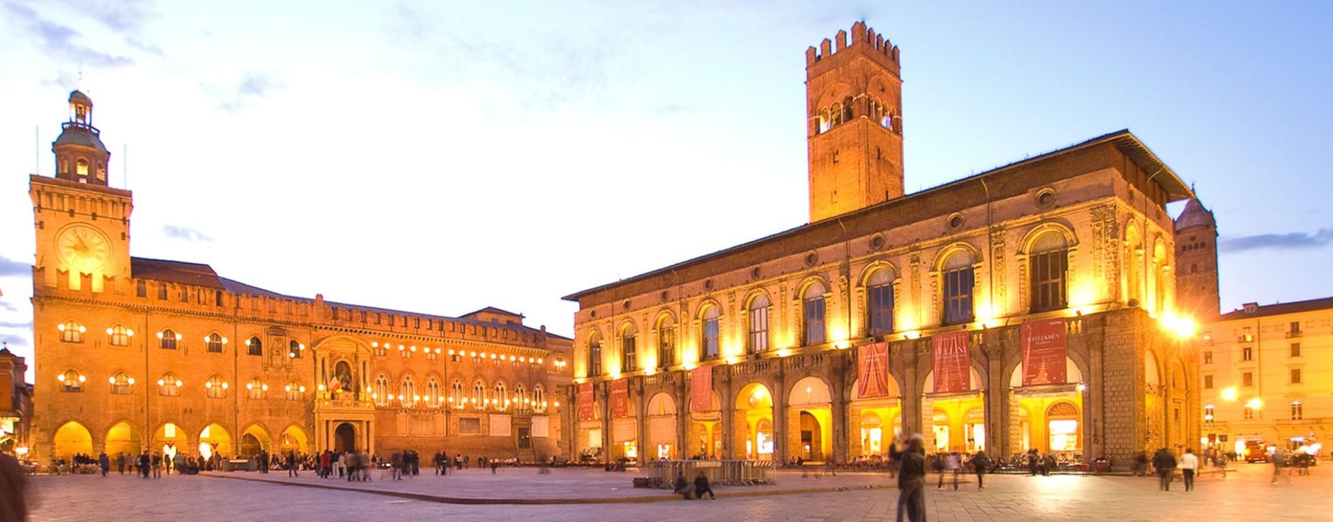 piazza-maggiore-bologna-e1436861457842